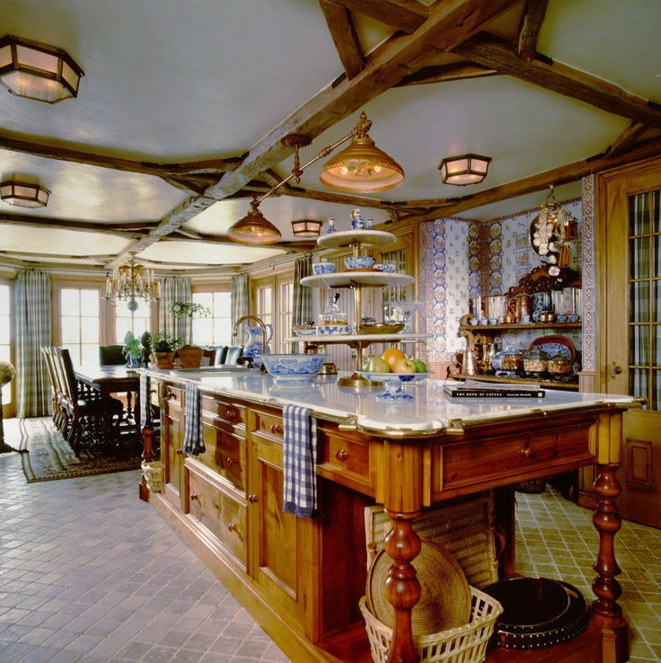 339 best images about visiting the old house on pinterest for Southern kitchen designs