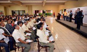 Certifica Gobierno Municipal a taxistas para mejorar la atención al turista