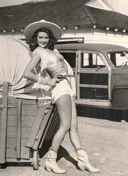 Packing heat vintage cowgirl style. #vintage #Western #cowgirl #fashion #gun