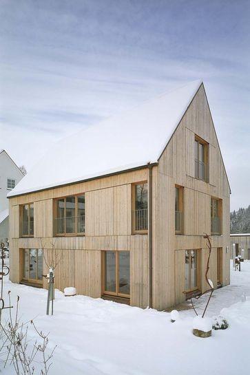 Einfamilienhaus S12 mit Ateliergebäude im historischen Glasmacherdorf Schmidsfelden im Allgäu www.f64architekten.de