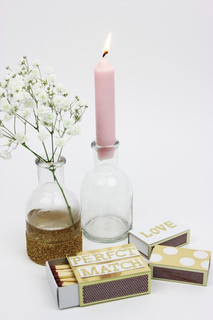 http://www.blog.bog-ide.dk/glitter-vase-og-fyrfadsstage/