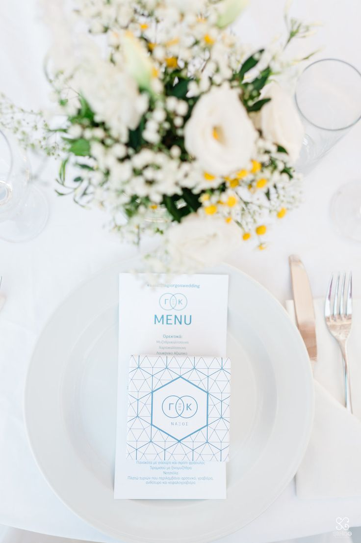 Centerpieces and table decoration!  #flowers #geometry #menu #favorbox #blueandwhite #destinationwedding #dreamsinstyle