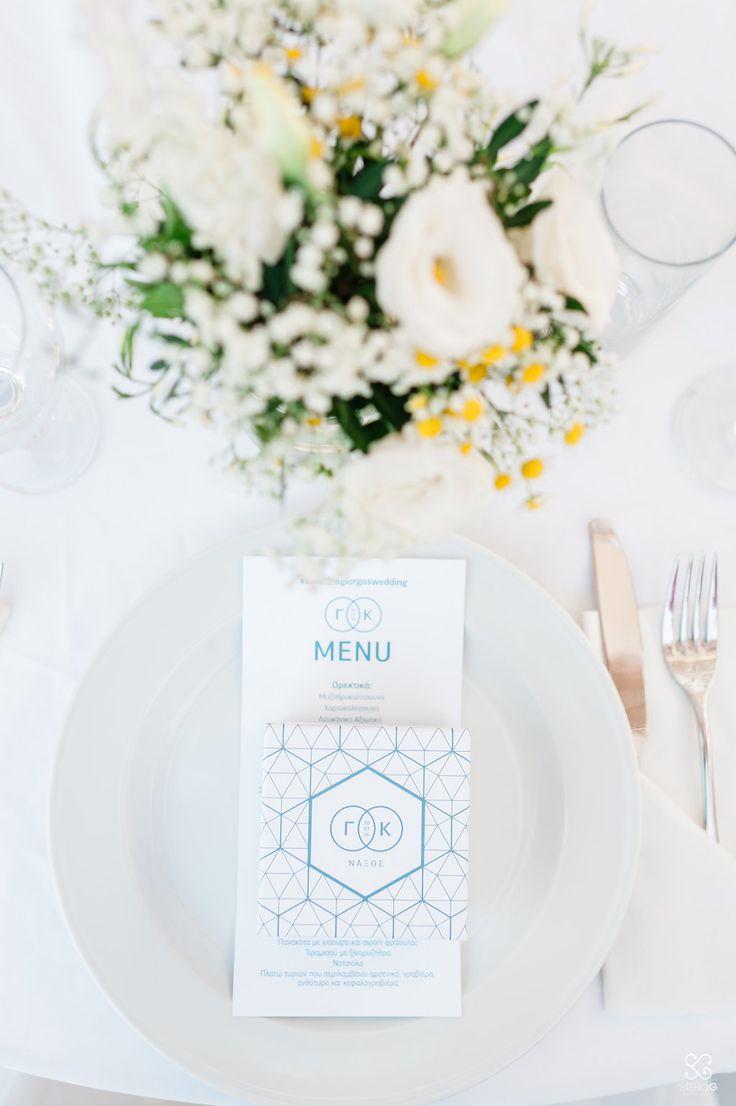 Centerpieces and table decoration!  #flowers #geometry #menu #favorbox #blueandwhite #destinationwedding #dreamsinstyle