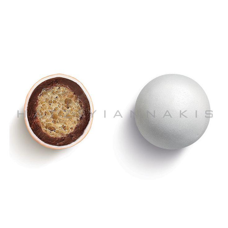 KOYΦETO CRISPY XPΩMA ΛΕΥΚΟ – KOYTI 350GΤραγανός πυρήνας από δημητριακά & σοκολάτα γάλακτος με λεπτή επικάλυψη ζάχαρης....