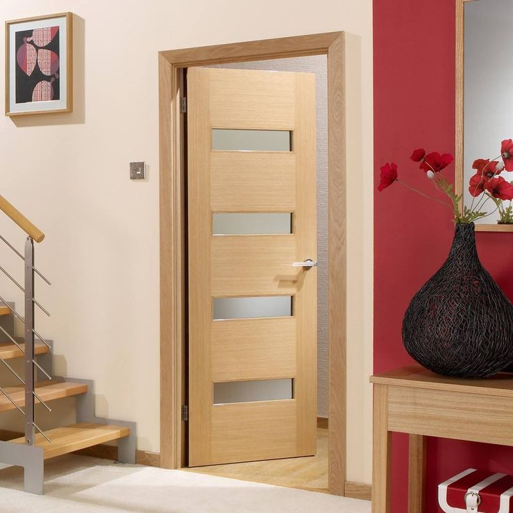 This Monaco oak flush veneer door is glazed with linea frosted safety glass and is also pre-finished. New and very stylish. #moderndoor #internaldoor #contemporarydoor
