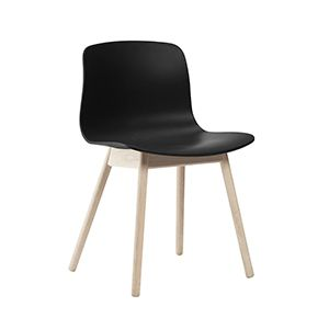 About A Chair by Hee Welling  Producer : HAY (DK)