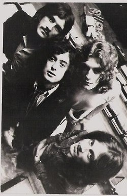 I have never seen this pic before...Led Zep