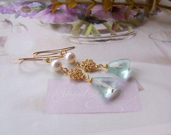 Lange Aquamarijn en Parel Oorbellen Dangle Oorbellen Gold