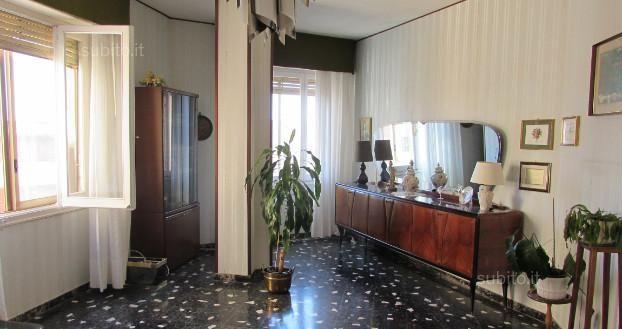 Villanova, piazza garibaldi pressi, 4vano luminoso - Appartamenti In vendita a Cagliari