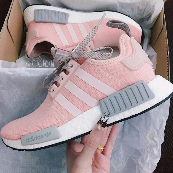 Adidas Originals Nmd Rosa Grau Pink Grey Foto Jacjacjacinta Instagram Adidas Casual Nmd Shoes Pink Adidas Adidas Women