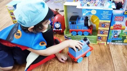 GIANT EGG SURPRISE OPENING Thomas and Friends Super Giant Golden Surprise Egg Biggest Surprise Egg | موفيز هوم  GIANT EGG SURPRISE Opening Thomas and Friends toy trains  GIANT Thomas Surprise Eggs! Its a Super Mega Giant Golden Surprise Egg with giant Thomas the Tank Engine ride on train with lots of Thomas the tank engine train toys! Evan is a kid playing with thomas trains with his sister Maya! We have lots of Thomas the Tank engine toys and trains inside this GIANT EGG SURPRISE! Evan is…