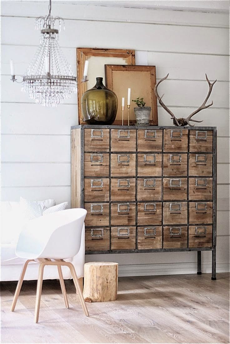 Inspired by this great decoration, all white, wood and natural colors