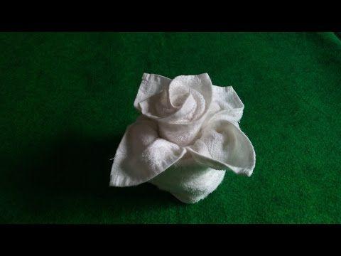 Como Doblar una Servilleta de Tela en la Forma de una Rosa en 72 Segundos - YouTube