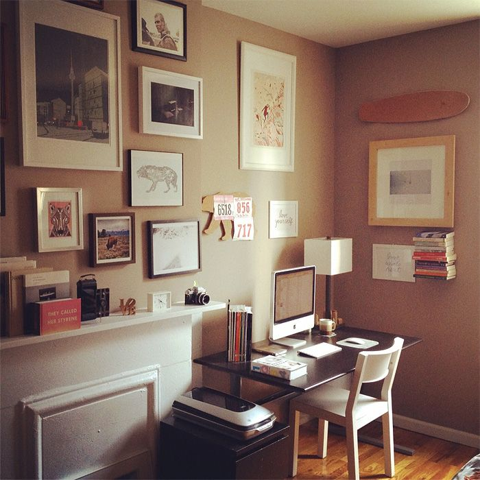 : Wall Of Frames, Offices Design Decor, Offices Spaces, Design Ideas, Galleries Wall, Work Spaces, Interiors Design, Guest Rooms, Home Offices