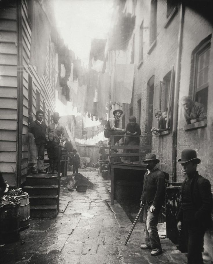 """1890s : """"How the Other Half Lives"""" – The tenements of New York"""