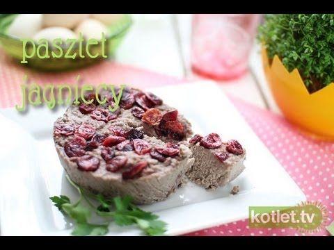 Pasztet bez pieczenia | Kotlet.TV  Składniki:  ok. 250–300 g mięsa,  ok. 80 g masła,  1 mała cebulka lub szalotka,  1 ząbek czosnku,  1 szklanka wina czerwonego,  1 łyżeczka rozmarynu, sól, pieprz,  suszona żurawina