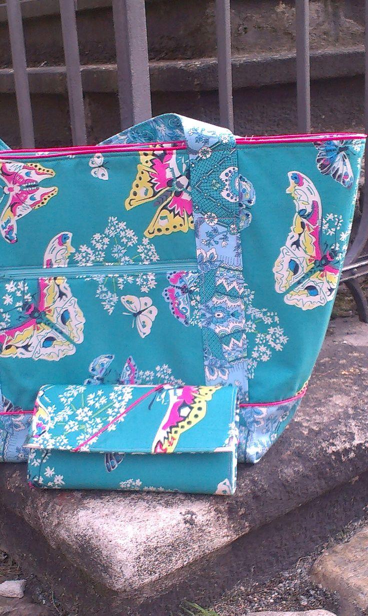 Queen Ann's Butterflies Topaz, Amy Butler, Alchemy