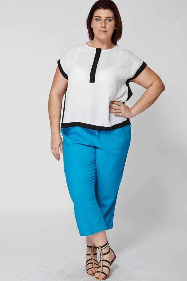 Teal 3/4 Linen Trousers