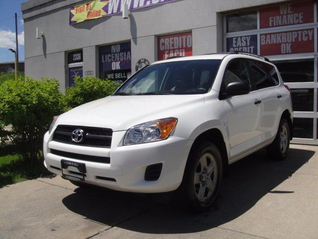 Used 2009 Toyota RAV4 Base I4 2WD for Sale in Chicago  IL 60639 Cars R Us Chicago