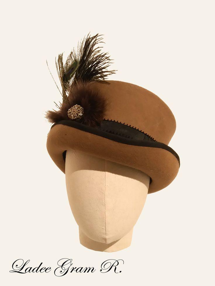 1000 id es sur le th me chapeaux haut de forme sur pinterest mini chapeaux haut de forme. Black Bedroom Furniture Sets. Home Design Ideas