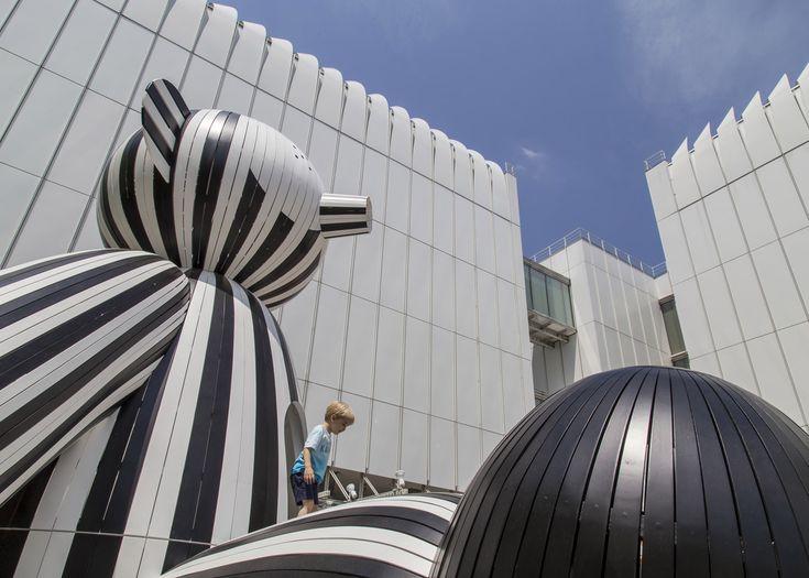 Jaime Hayón installs animal sculptures at Atlanta museum