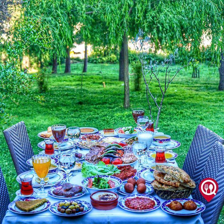 Ramazan Bingöl Et Lokantası / İstanbul ( Ümraniye )  0 216 630 11 23   8750 TL / Kişi Başı  RAMAZAN MENÜSÜ - İftariyelik -  Süzme mercimek soğuk çorba yeşil biber zeytin yeşil çizik zeytin siyah zeytin bali reçel hurma taze kaşar antep peyniri - Soğuk Başlangıçlar -  Patlıcan soslu ezme salata haydari taze fasulye karma göbek salata çiğ köfte - Ara Sıcaklar - İçli köfte pastırma paçanga böreği etli kuru dolma - Ana Yemek - Bonfile Biftek Kuzu Pirzola Kuzu Şiş Kuzu Tandır Döner Acılı veya…