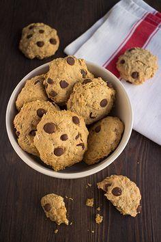 Biscotti vegani integrali con gocce di cioccolato