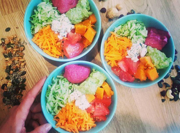💫 BUDDHA'S PARTY💫 __ Brunch is served ! Delicious buddha bowls made with love 😍 __ C est bon c est sain et hyper rapide à faire ! De…