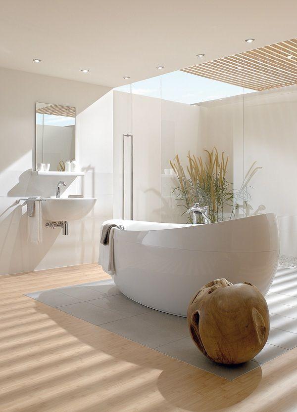 Beim Baden den Himmel beobachen! Möglich in dieser traumhaften Badewanne #bathtub #heaven #bathroom