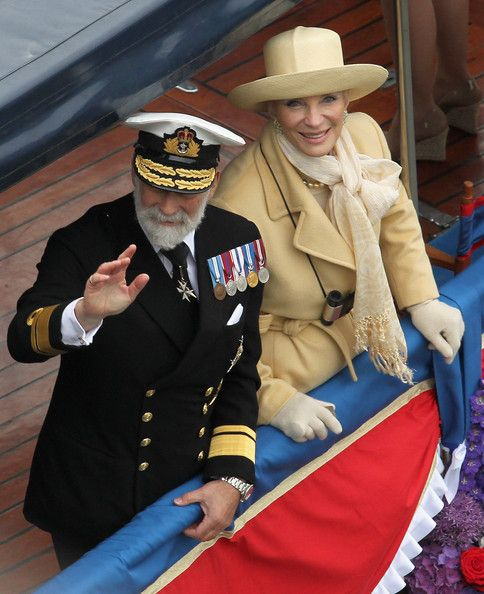 Prince Michael of Kent and Princess Michael of Kent wave during the Diamond Jubilee Thames River Pageant on June 3, 2012 in London, England. For only the second time in its history the UK celebrates the Diamond Jubilee of a monarch. Her Majesty Queen. DIAMOND JUBILEE 1-2-3 juin 2012