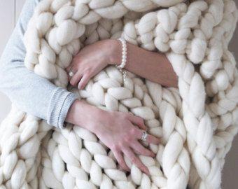 Couverture en tricot blanc épaisse - crème géant couverture - super morceaux tricotés jet - extrême couverture en tricot - merino laine jet tricot