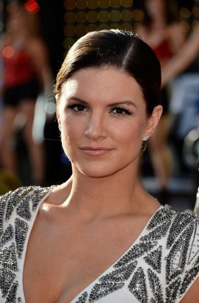 Gina Carano Moves Past MMA Rivalry With Cyborg Justino; Henry Cavill's Ex In Fighting Form For 'Deadpool' - http://imkpop.com/gina-carano-moves-past-mma-rivalry-with-cyborg-justino-henry-cavills-ex-in-fighting-form-for-deadpool/