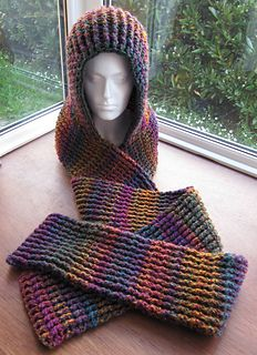 Free pattern available here. http://www.ravelry.com/patterns/library/chunky-ribbed-scoodie
