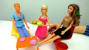 #Барби и Кен открывают кафе  http://video-kid.com/20876-barbi-i-ken-otkryvayut-kafe.html  Барби не может найти работу! Кен предлагает ей открыть свое кафе ☕ Теперь нужно собрать кухню и купить еду