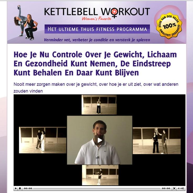 Strakke buikspieren Kettlebell Workout Vrouwen 8kg Kettlebell. De Kettlebell Workout is het meest succesvolle thuis fitness programma in Nederland. 5 DVDs + Fitness tool (Kettlebell).
