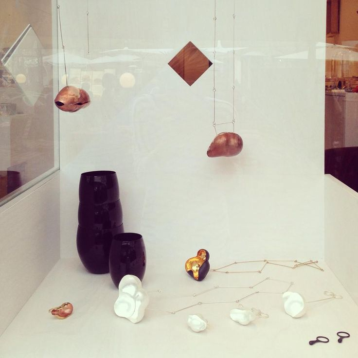window display from 10/2014 #ronyplesl #evaruzickova