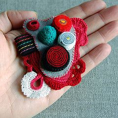 Волоконно-арт Броши (ELINtm) Теги: красный искусство спираль контактный брошь крючком чувствовал текстильные аксессуары fiberart волокна textileart произвольной формы