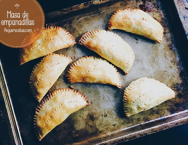 Receta de masa de empanadillas casera fácil. La masa para empanadillas es algo que se suele comprar, pero hacerla casera es muy fácil y sale deliciosa.