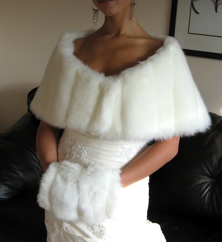 Ivory / Off-White Mink Faux Fur Shawl. $79.00, via Etsy.