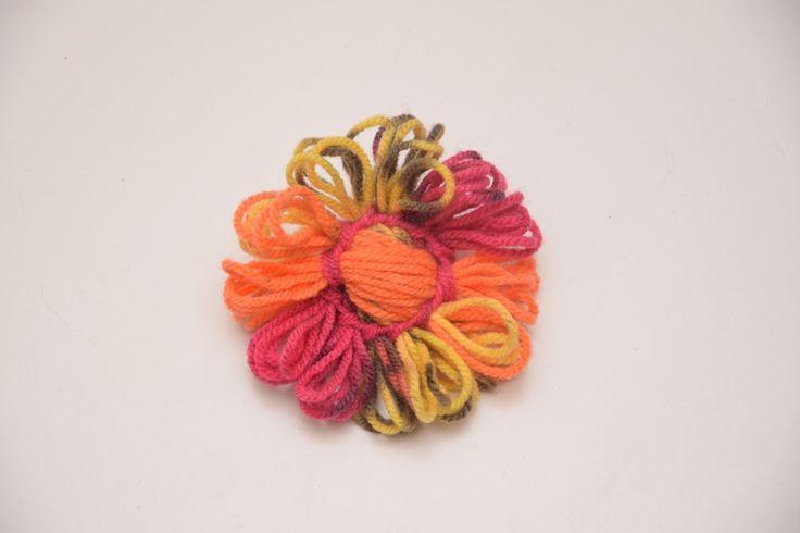 Bloom loom flower brooch