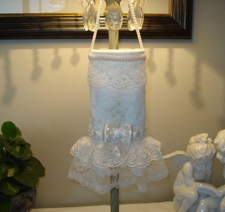 Pochette à mouchoirs Shabby, tissu damassé ivoire et dentelle brodée : Accessoires de maison par l-atelier-des-songes