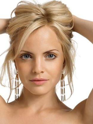 blondeBlondes Hairstyles, Hair Colors, Shorts Hair, Mena Suvari, Face Shape, Menasuvari, Beautiful, Hair Style, Celebrities Hairstyles