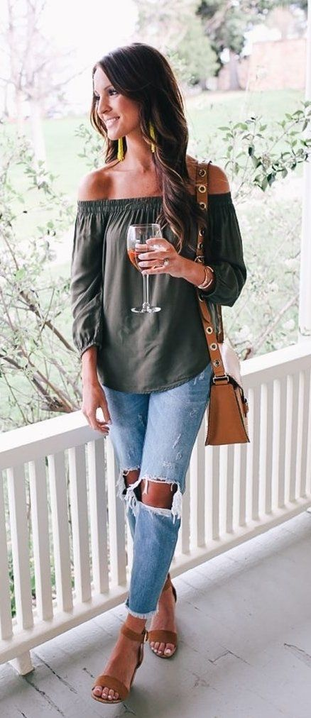 summer outfits Khaki Off The Shoulder Top + Destroyed Jeans + Brown Sandals