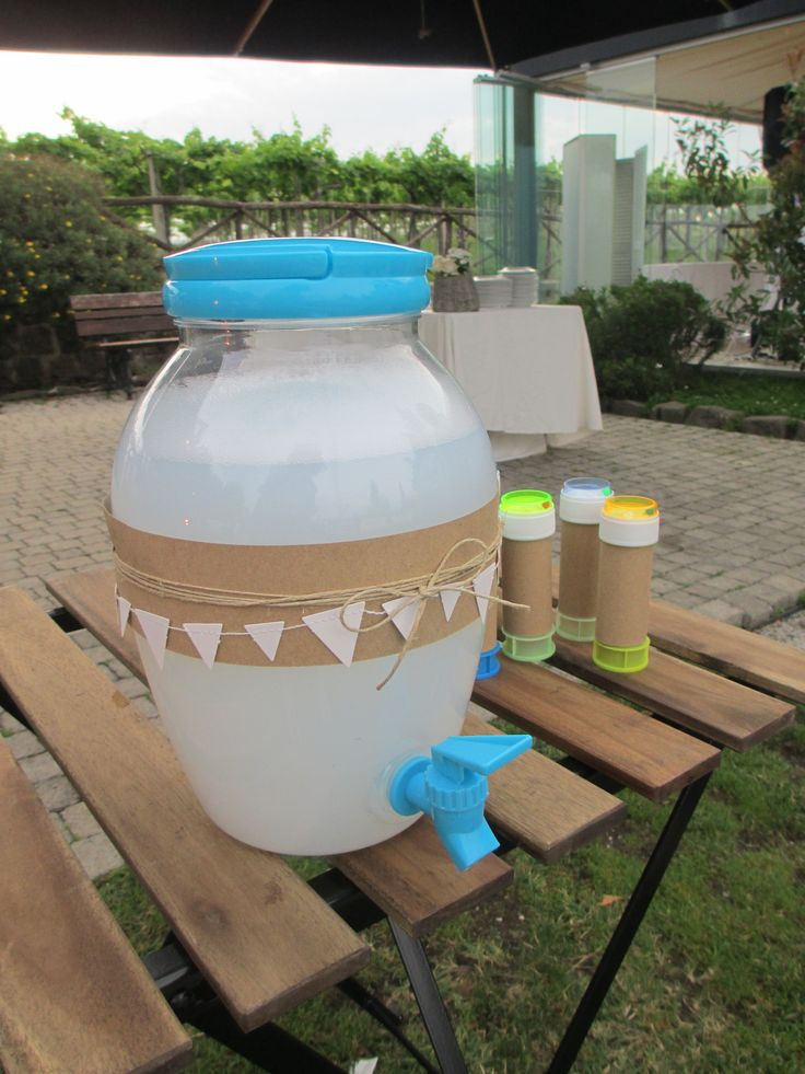 """bolle di sapone per bambini al matrimonio.  Leggi il mio articolo """"10 idee intrattenere bambini matrimonio"""""""