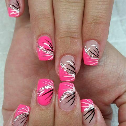#fingernägel #gelnägel #neonnails #neon Melon #silber #glitzer #striche #NAILDESIGNS #
