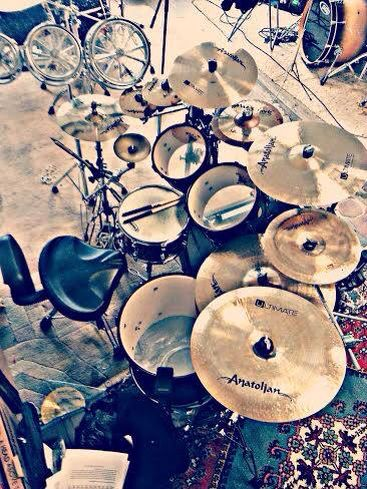 SOMEbody got fancy with some photo filters...... but, they're DRUMS, they don't NEED anything to look AWESOME!!