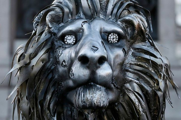 National Geographic Installed The Sculpture Alongside Trafalgar Squares Famous Lion Statues