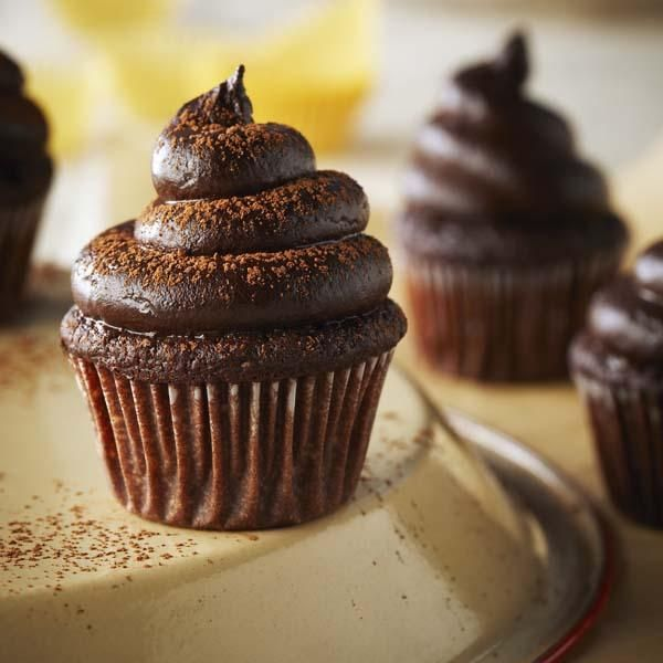 Turn Mini chocolate cupcakes with avocado icing into superfood snack sensations by adding quinoa flakes and avocado. Find healthy snacks at Chatelaine.com.