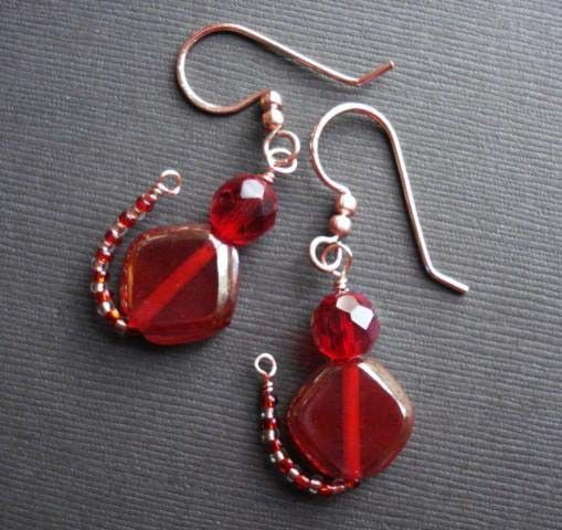 It's the Cat's Meow Bead and Wire Cat Earrings  by beadinggem