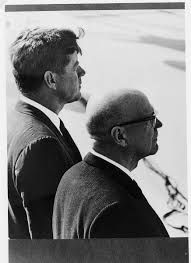 1961. 16 Octobre (à confirmer). President Kekkonen and President Kennedy.